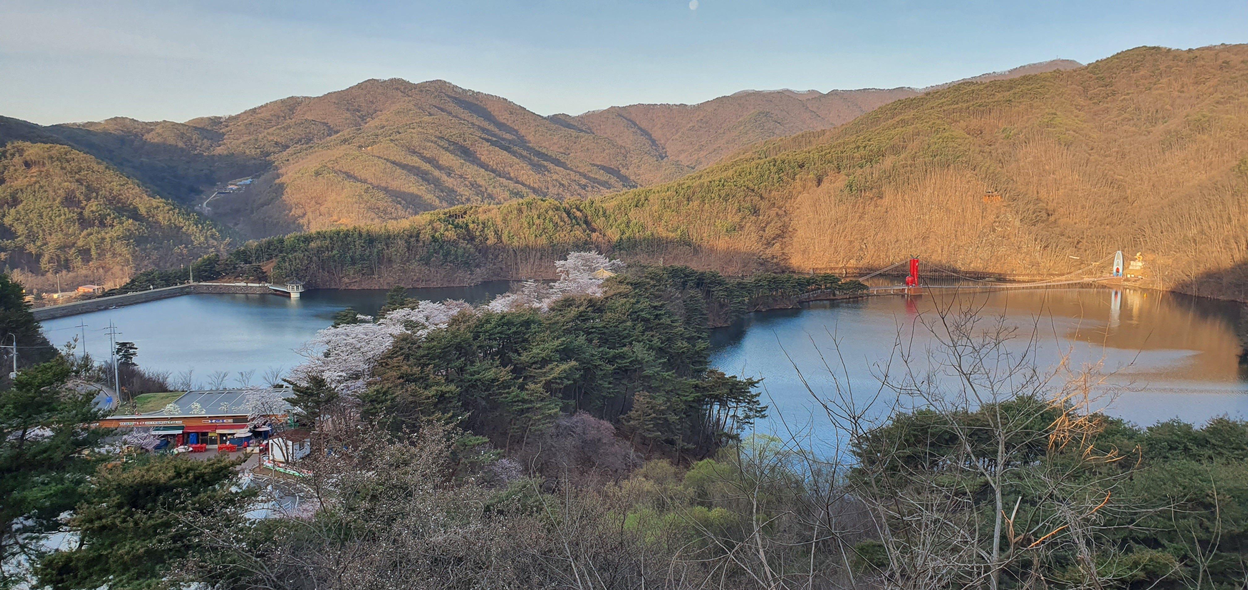 칠갑산 천장호 전경