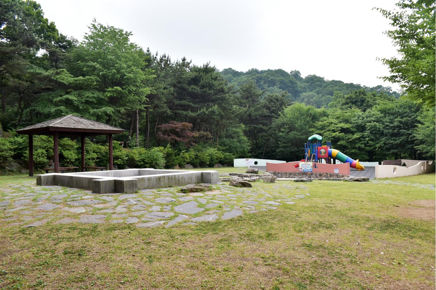 태학산자연휴양림어린이놀이터.png