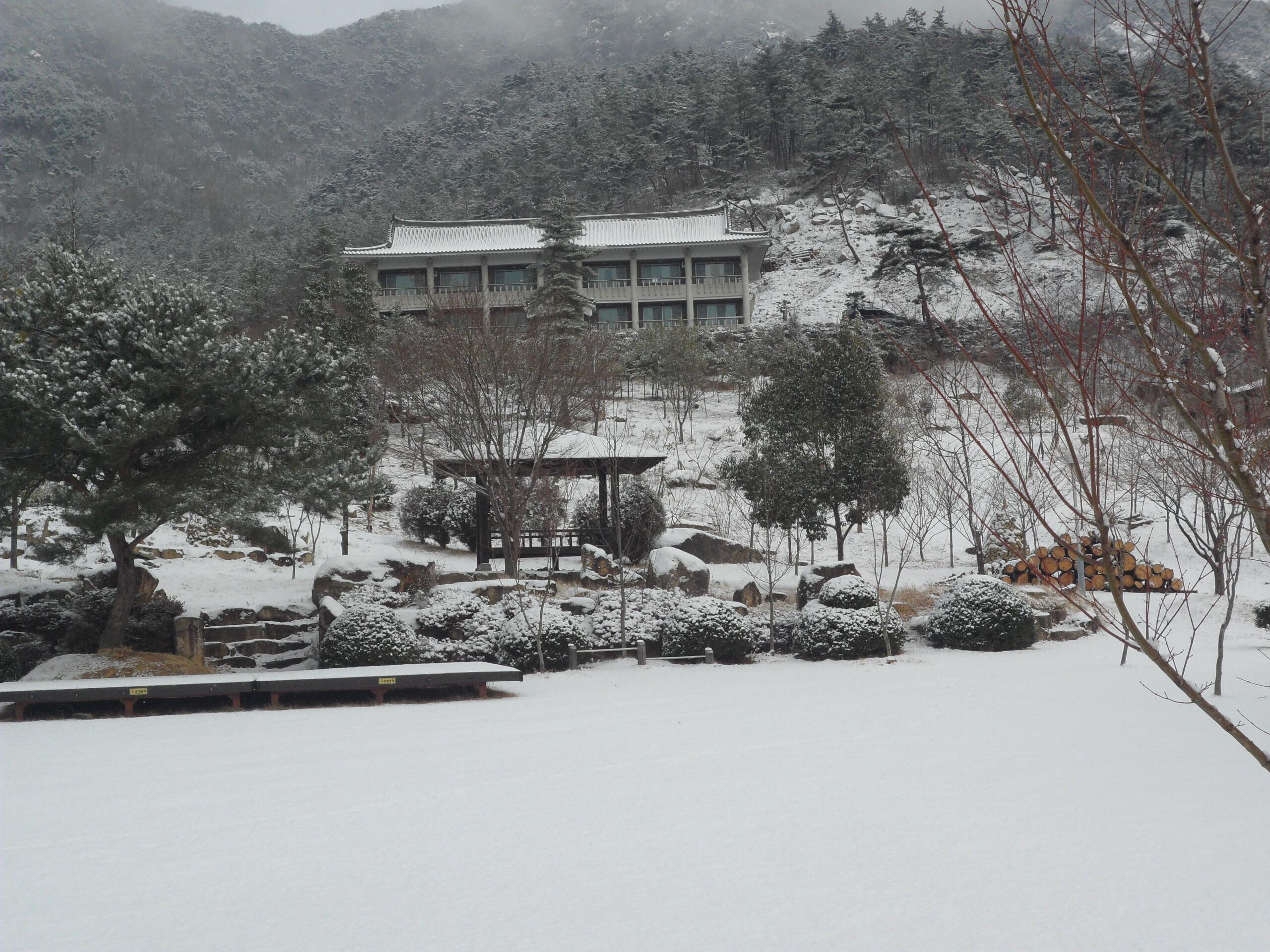 겨울 휴양관 전경